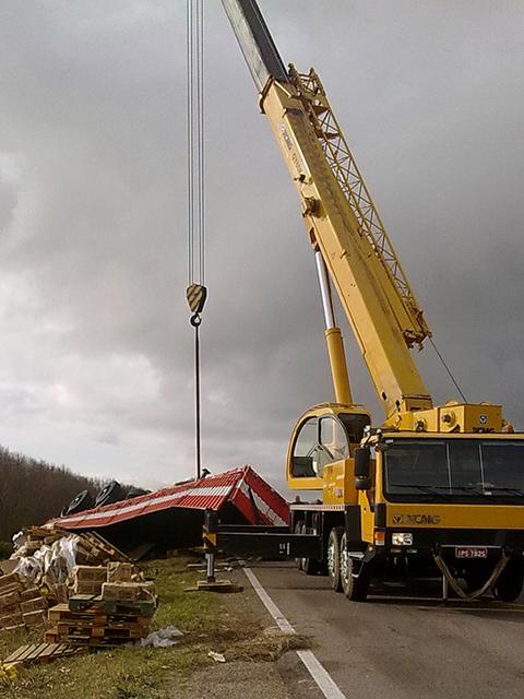 Veículo é rebocado após acidente em Chuí, no Rio Grande do Sul (Foto: Claudio Drews / Flickr-CC)