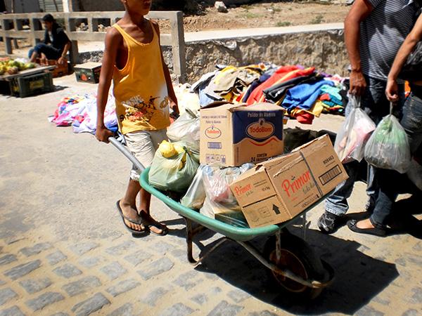 Consumismo, o 'aliciador' de trabalho infantil nas cidades