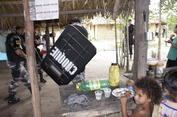 Policiais da Tropa de Choque invadiram e destruíram casa de moradora que acolheu famílias, segundo Sociedade Paraense de Defesa dos Direitos Humanos