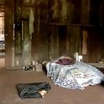 Sem camas, trabalhadores dormiam em espumas e colchonetes no chão.