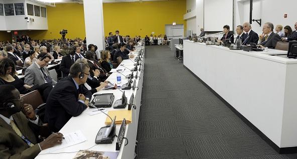 Sessão de abertura da última conferência para discutir um tratado internacional de armas na ONU, realizada em julho de 2012. Foto: Eskinder Debebe/UN Photo