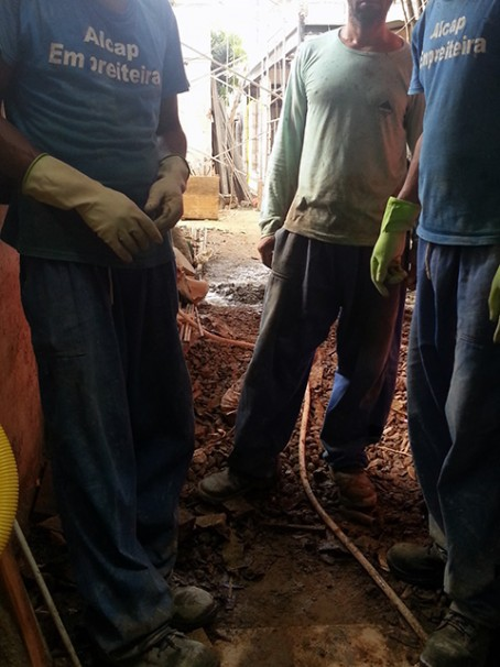 Parte dos resgatados no local em que trabalhavam (Fotos: Divulgação / MPT)