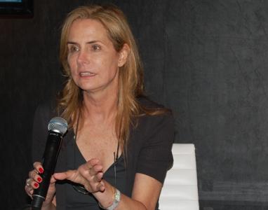 Katie Ford e autoridades debatem escravidão na indústria da moda em simpósio em São Paulo