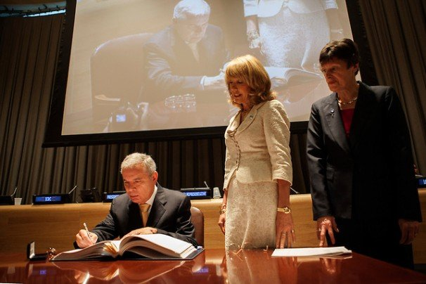 Brazil's permanent representative to the United Nations Antonio Jose Vallim Guerreiro signs the Arms Trade Treaty during a ceremony at United Nations headquarters in New York, June, 2013. Keith Bedford/INSIDER IMAGES (UNITED STATES)