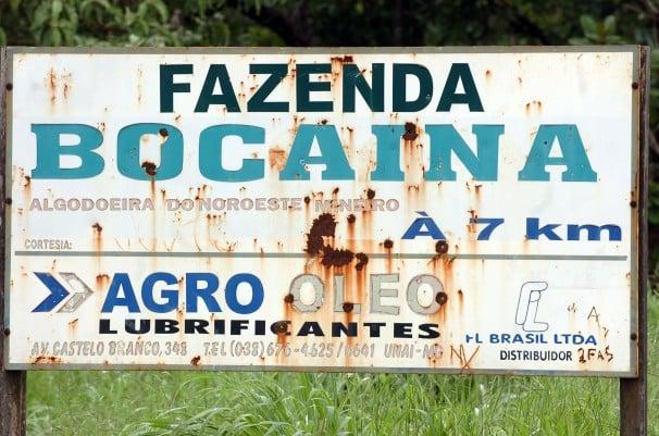 Placa que indica a entrada da Fazenda Bocaina, do fazendeiro Norberto Mânica,  onde ocorreu a Chacina de Unaí (Foto: José Cruz/ABr)