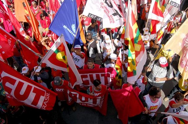 Centrais protestam contra PL 4330 em São Paulo (SP), no dia 6 (Foto: Guilherme Zocchio)