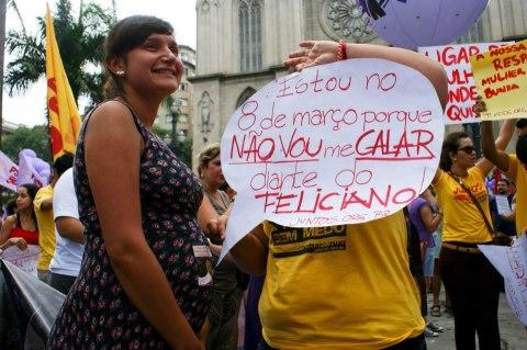queria fugir da lógica disseminada no Brasil e combatida pela Organização Mundial da Saúde (OMS) de que o parto deve ser um procedimento cirúrgico