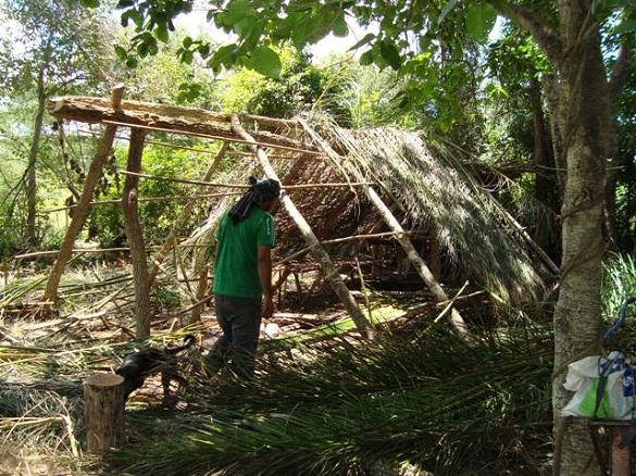 Indígenas em condições análogas à escravidão dormiam em barracos construídos por eles mesmos em uma fazenda de gado no Mato Grosso do Sul. Foto: Divulgação MPT