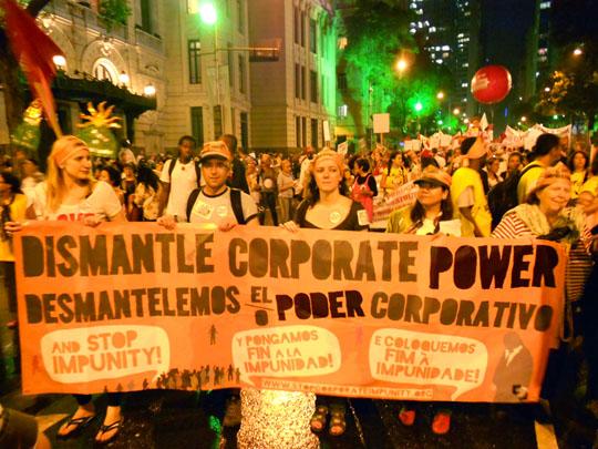 Protesto contra impunidade coorporativa. Foto: Divulgação/Campanha Global