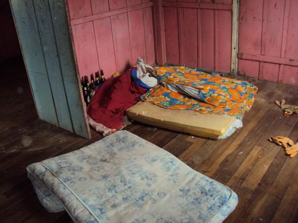 Produtores de cebola do Estado não cumpriam legislação trabalhista. Na foto, alojamento em condições degradantes flagrado pela fiscalização (Fotos: MTE)