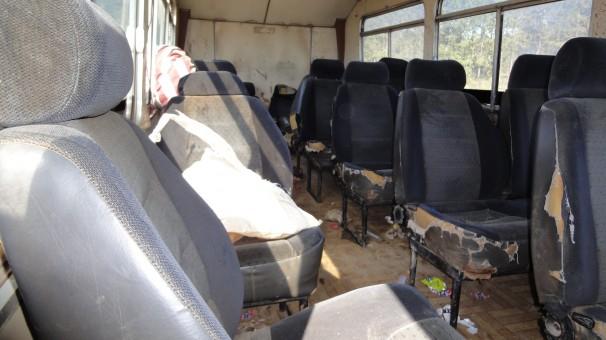 Ônibus em péssimas condições flagrado em fiscalização da região para transporte de trabalhadores