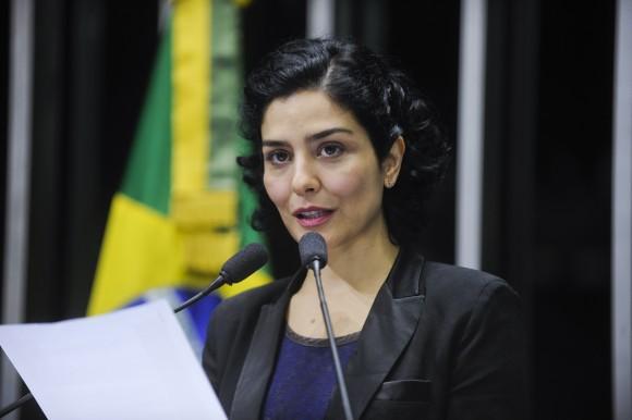 Letícia Sabatella lê carta do Movimento Humanos Direitos no Senado Federal contra a tentativa de descaracterizar o que é trabalho escravo. Foto: Marcos Oliveira/Agência Senado