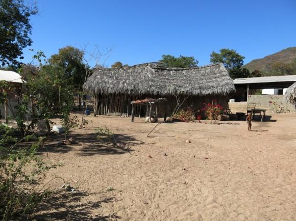 Casa de Domingas e Louriano, Família Magalhães