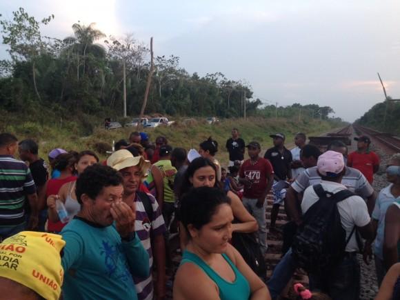 Quilombolas do Maranhão bloqueiam ferrovia da Vale