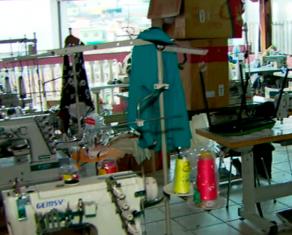 Oficina onde vítimas trabalhavam Oficina em São Paulo onde bolivianos trabalhavam (Foto: Reprodução/GloboNews)