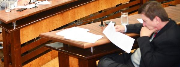 Deputado Marco Aurélio na sessão final da CPI. Foto: Márcia Yamamoto/AL