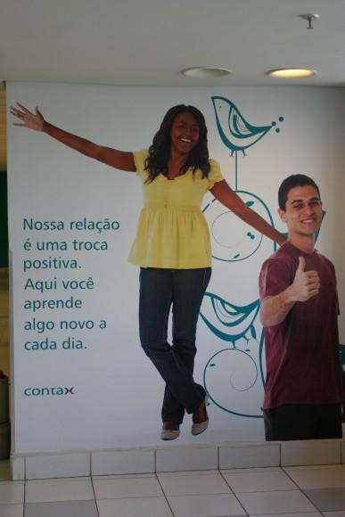Mensagem pintada em parede de uma das unidades do Recife