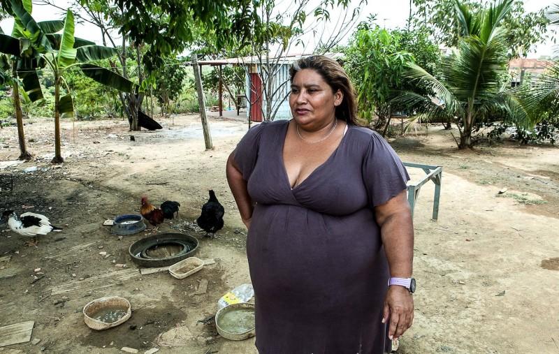 Luciana Viana e seus vizinhos foram expulsos da comunidade onde viviam há décadas para a construção da Cidade Universitária. Foto: Lilo Clareto
