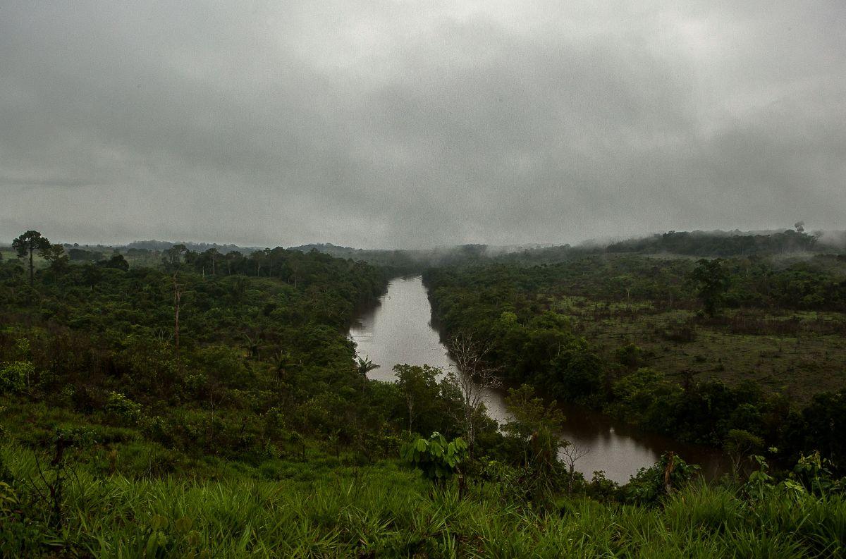 Braço do rio Tapajós no Oeste do Pará, onde a fauna é uma das mais ricas da Amazônia. Foto: Lilo Clareto/Repórter Brasil