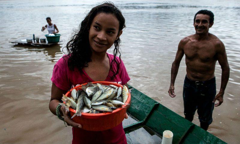 Moradores de Pimental tiram seu sustento da pesca. Foto: Lilo Clareto