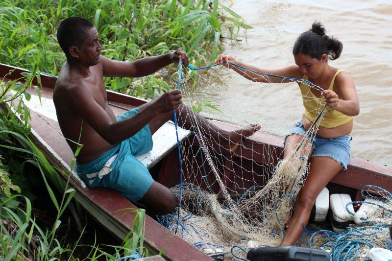 Quilombolas vivem da pesca no rio Amazonas, onde deve ser construído o porto. Foto: Mikaell Carvalho