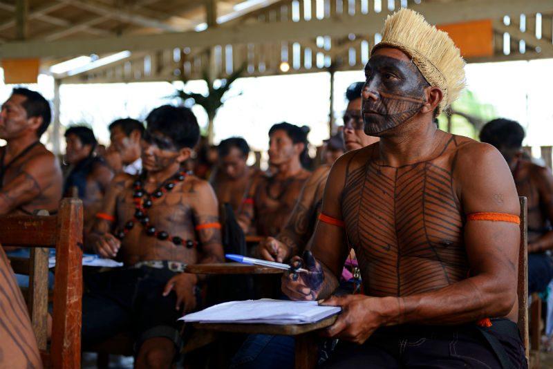 Indígenas Munduruku durante oficina sobre a consulta prévia. Foto: Gabriel Bicho/Greenpeace