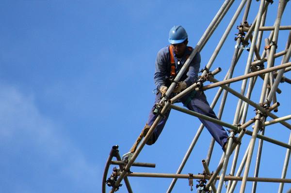 Terceriziação e número de acidentes tem forte ligação na construção civil .Foto: Flickr/Pedro Biondi