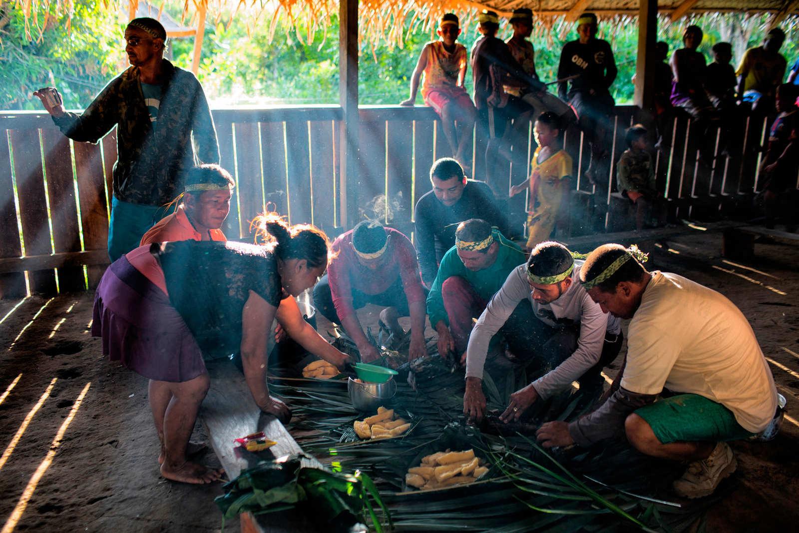Ao inserir valores cristãos, a presença de missionários em aldeias pode impactar as tradições ancestrais e a organização social dos indígenas (Daniel Cangussu-FPE Madeira Purus/Funai)