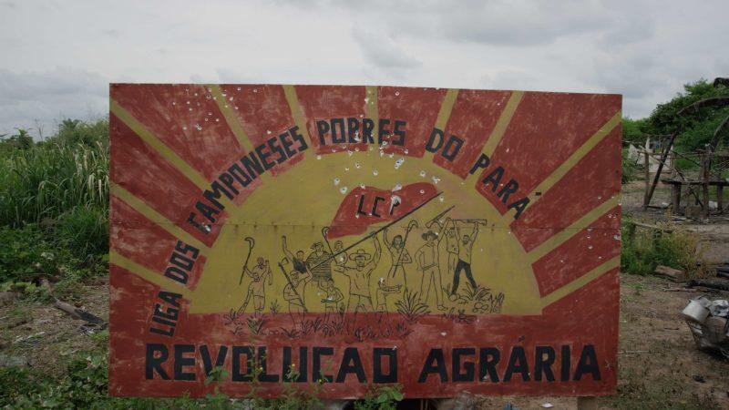 Placa de assentamento na região onde ocorreu a chacina (Cauê Angeli/Repórter Brasil)