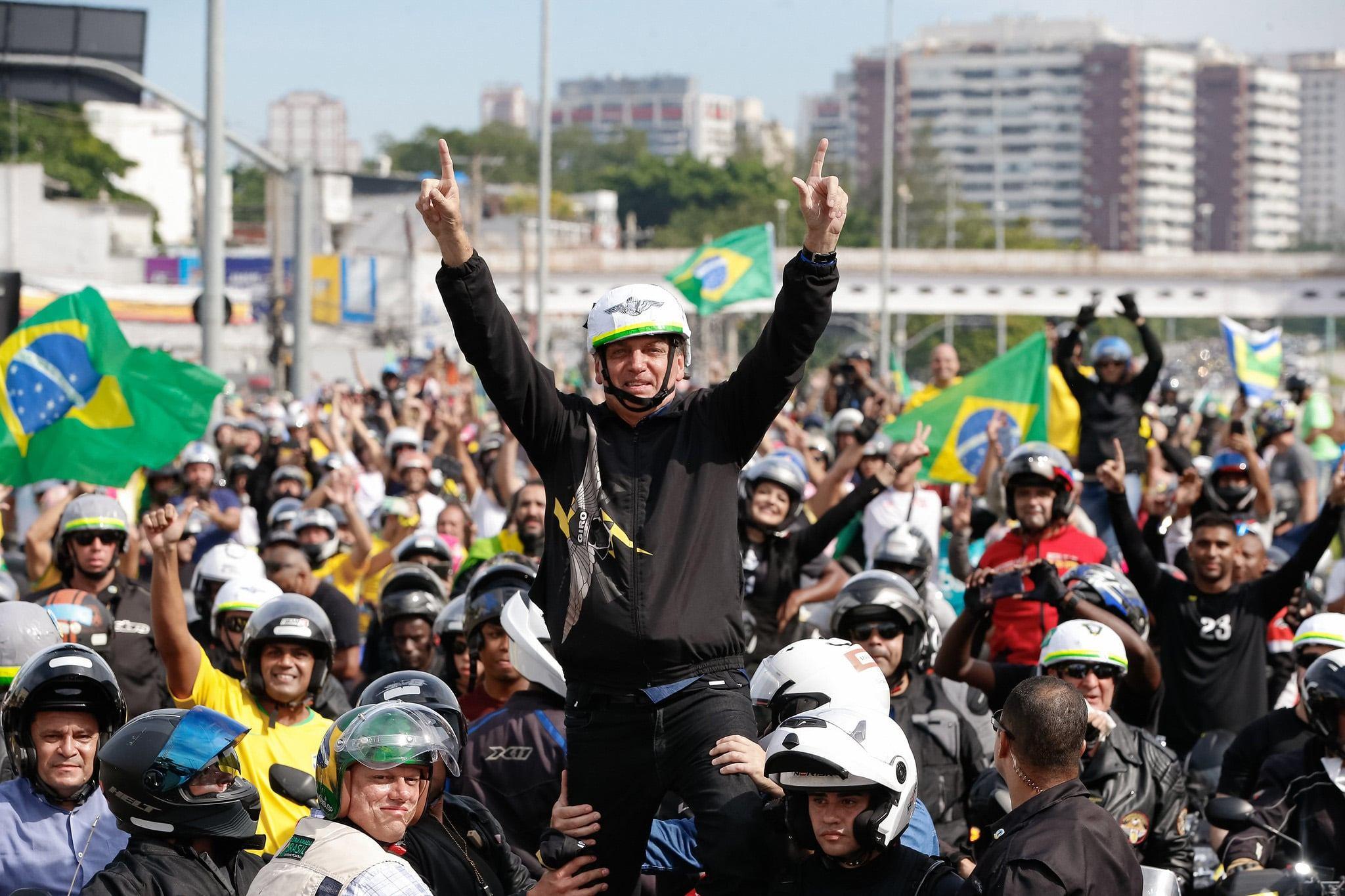 "Bolsonaro em ""motocada"""