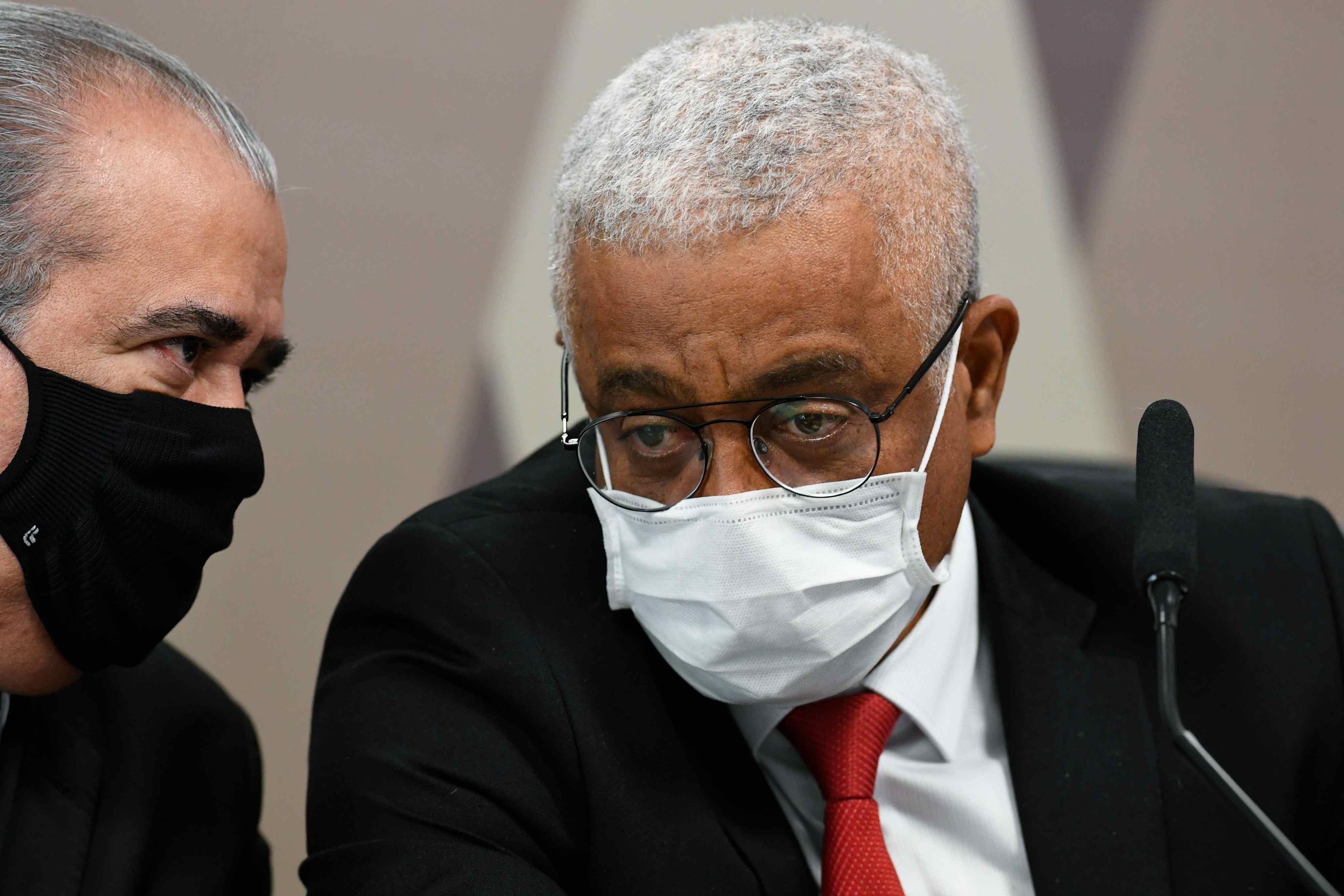 Farmacêutica e grupo de médicos são processados em R$ 55 milhões por anúncio de 'tratamento precoce'
